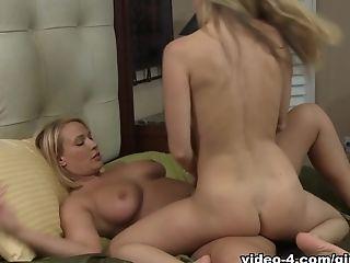 Anita Dark, малышка, большие сиськи, блондинки, куннилингус, пальцем, лесбийское, Mellanie Monroe, мамочка, порнозвезда,