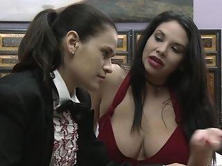 Vingeren, Lesbienne, Likken, Missy Martinez, Kreunen, Pornoster, Seksspeeltjes, Voorbinddildo, Strakke Kut, Vagina,
