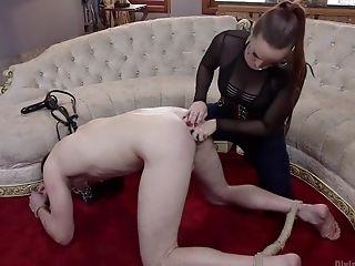 Bella Rossi, Vrouwelijke Dominantie, Spijkerbroek, Melk, Prostaat,